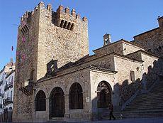 Después de varios intentos, Alfonso IX consiguió conquistar Cáceres en 1227