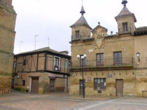 Valderas fue una de las plazas leonesas que usurpo Alfonso VIII en los inicios del reinado de Alfonso IX